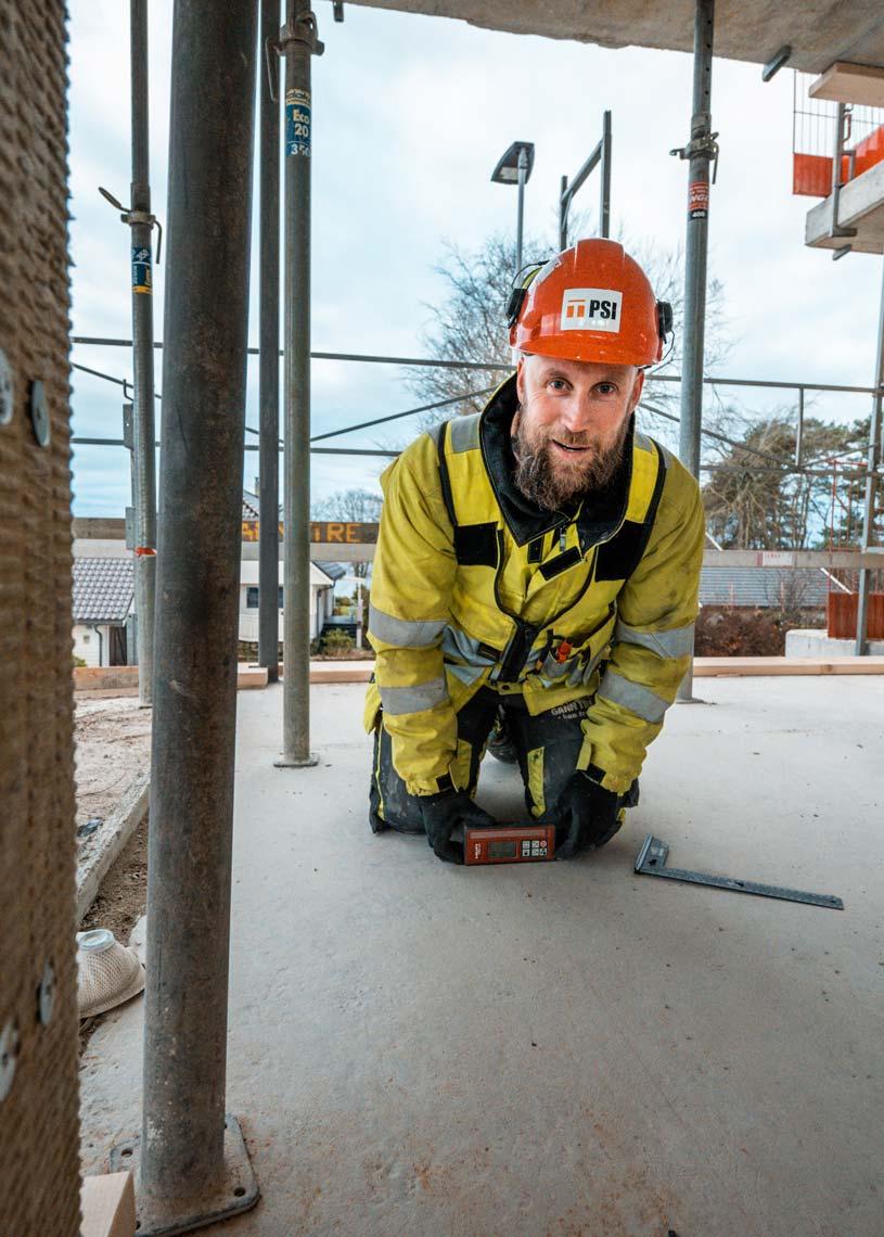 Tømrer fra Gann Tre på byggeplass.